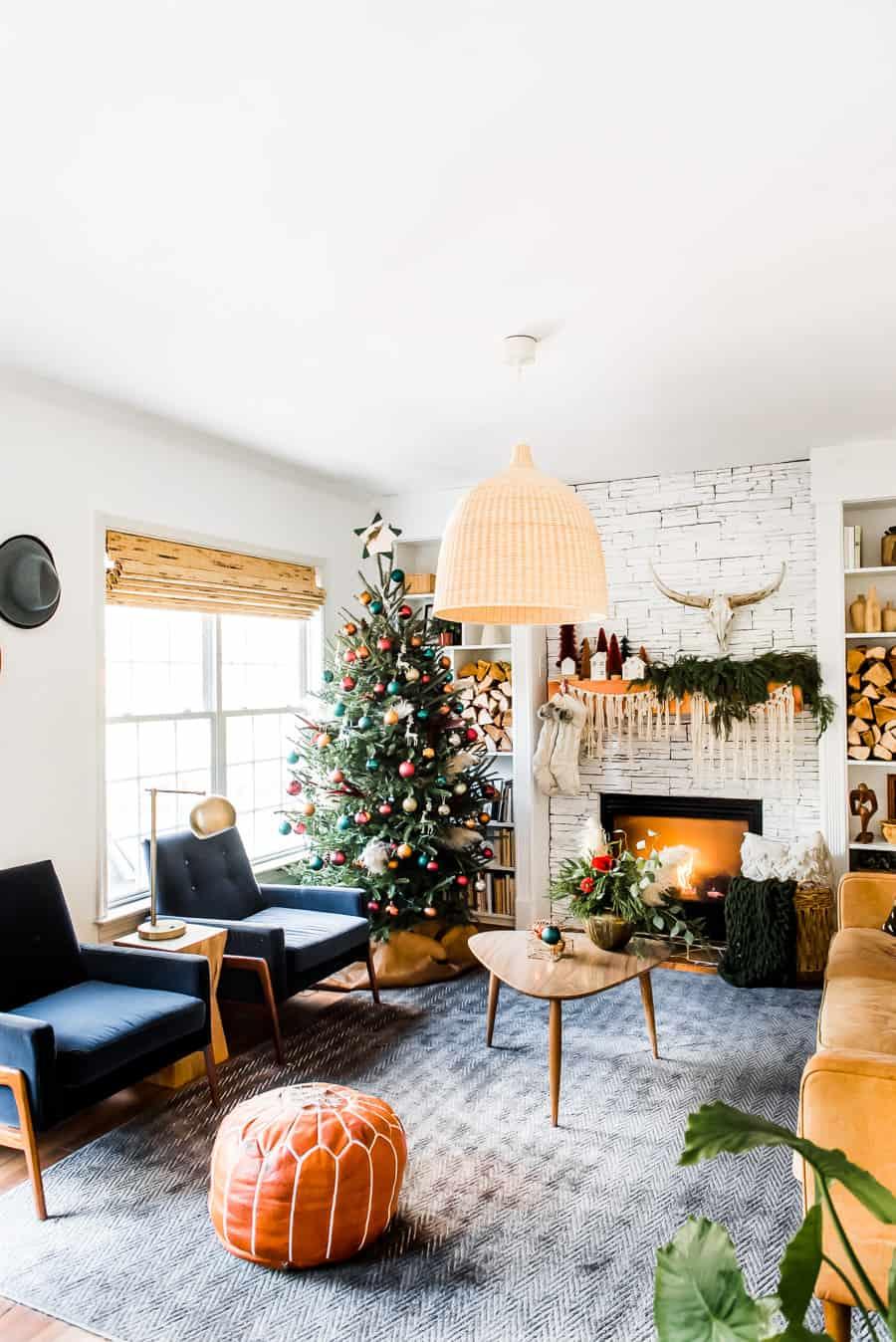 Deck the Windows: Holiday Design Inspo 4